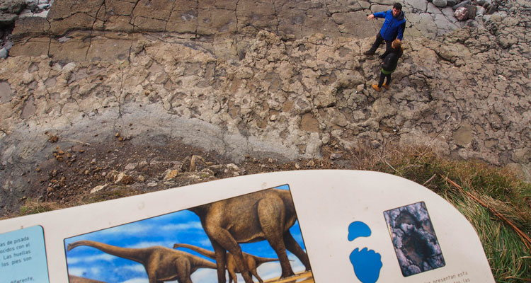 50º Aniversario del descubrimiento de las huellas de la Playa de La Griega