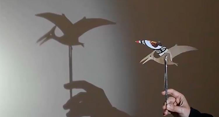 Dinosaurios, títeres y sombras chinescas