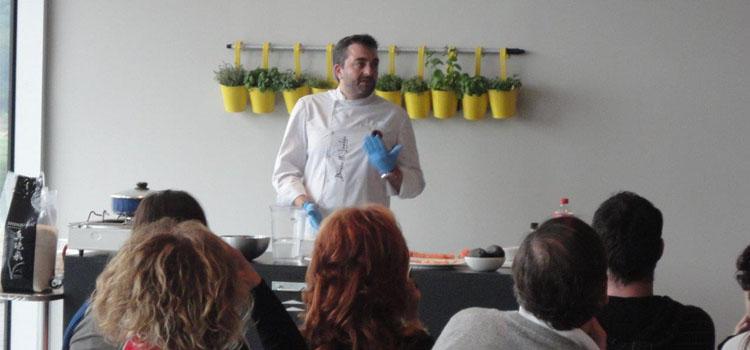 Asturias con niños: Taller Fast Food en la Prehistoria ... en Tito Bustillo